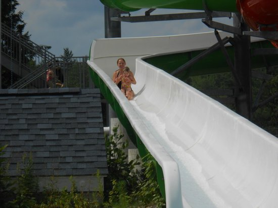 Liquid Planet Water Park: not scary at all, when you can go down the slide with mommy