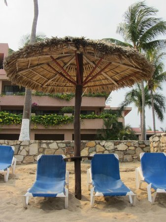 Barcelo Huatulco: Beach chairs