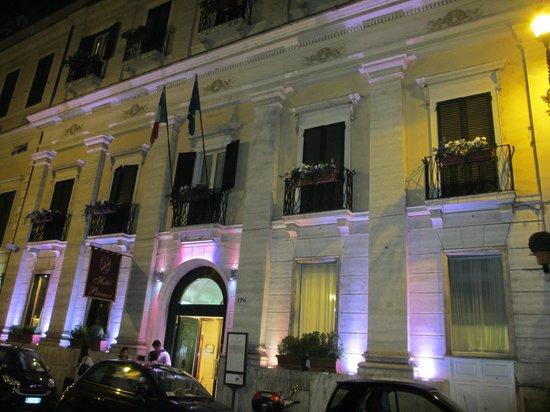 Piranesi Palazzo Nainer Hotel: The Palazzo Piranesi by night