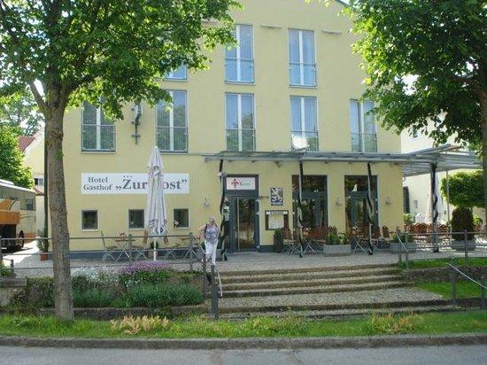 Hotel Zur Post Ismaning: vue de l'hotel