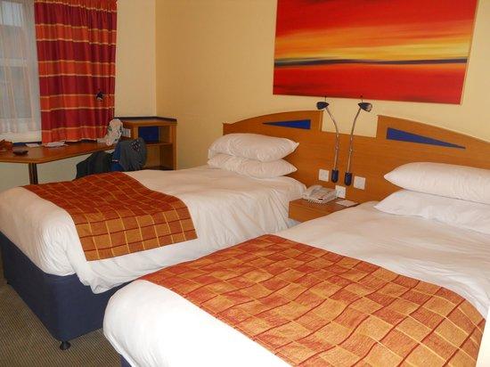 Holiday Inn Express London - Hammersmith: Camas