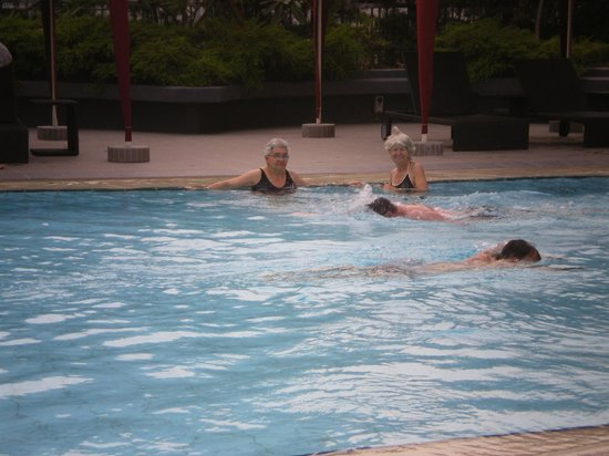 Somerset Liang Court Singapore: piscina