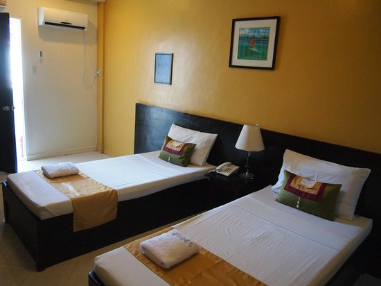 Skylight Hotel : room