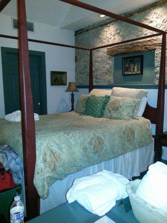 Washington House Inn: Room 216