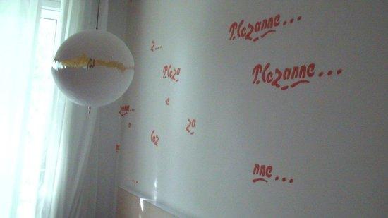 سيزان هوتل: Detalhe do quarto
