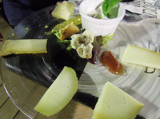 Bistrot del Duca: Assiette di formaggi rari e d'alpeggio