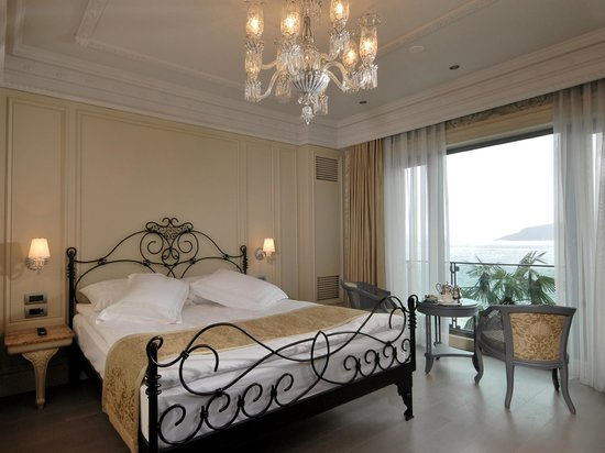 The central palace bosphorus istanbul hotel reviews for Guest house harbiye