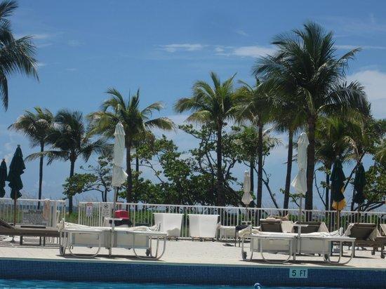 Sea View Hotel: Piscina