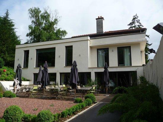 Le Clos Jeannon : Restaurant/Terrace