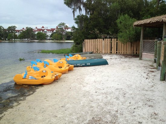 Bryan's Spanish Cove: paddle boats