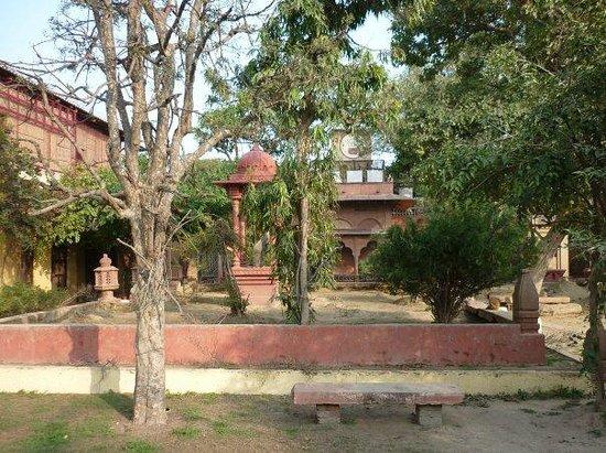 Vrinda Kunj Ashram : Patio central