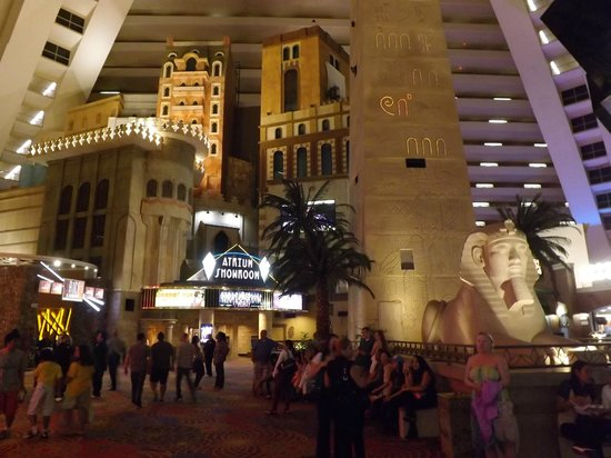 Interior de la Piramide, atracciones - Picture of Luxor Hotel & Casino, Las Vegas - TripAdvisor