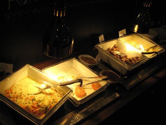 Original Sokos Hotel Helsinki: 朝食は種類があって悪くないです