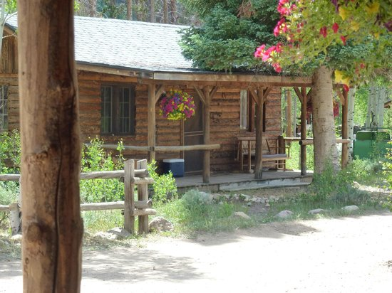 Rawah Ranch: Old Bunkhouse cabin