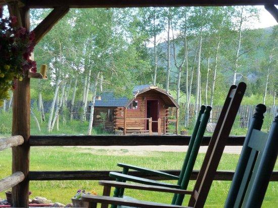 Rawah Ranch: Fishing guide hut