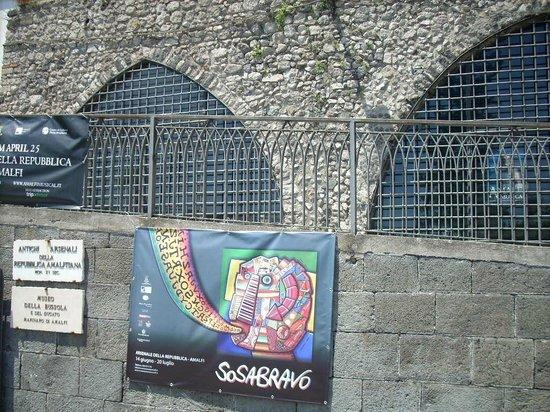 Arsenale della Repubblica: Arsenale di Amalfi, esterno