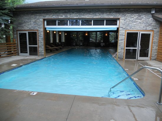 The Lodge at Jackson Hole: in / out pool with roll up door lacks lifts required by Federal law