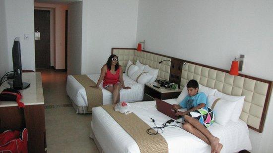 Holiday Inn Cartagena Morros: habitacion