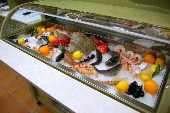 Campoformido, Italia: Vetrina del pesce