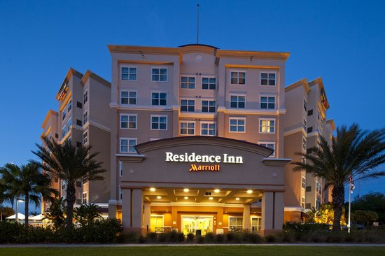 Residence Inn Clearwater Downtown: Evening Exterior