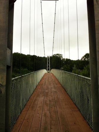 Parc de la Gorge de Coaticook: View from bridge entrance