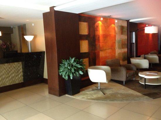 Le Montrose Suite Hotel: Hotel reception area