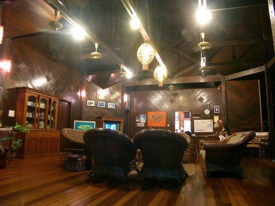 "The Reef Dive Resort: reception e ""biblioteca"" a disposizione"