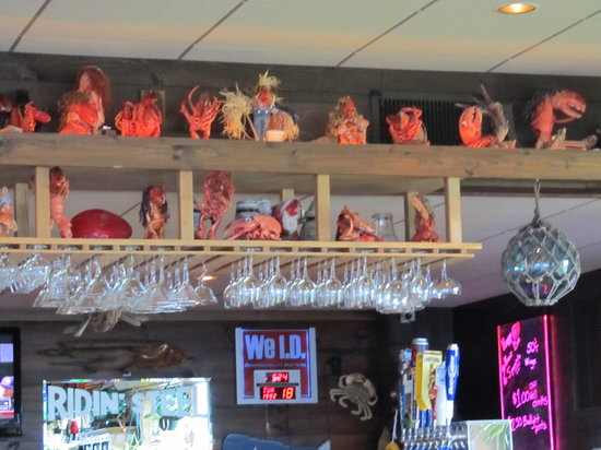 Taste of Maine Restaurant: Lobster Decorations on the wall