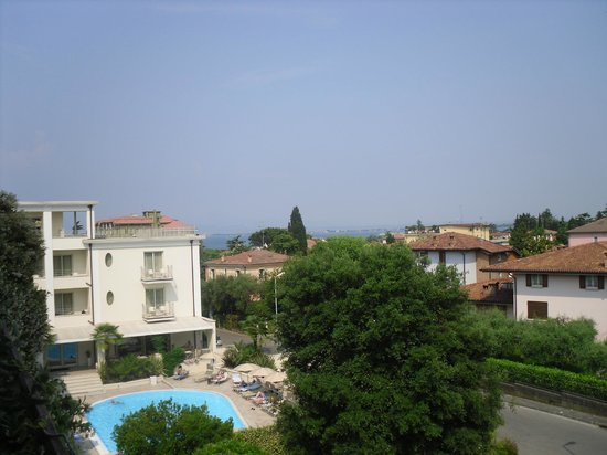 Residence Il Sogno : View from 315 balcony of lake