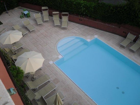 Residence Il Sogno : view of pool from 3rd floor
