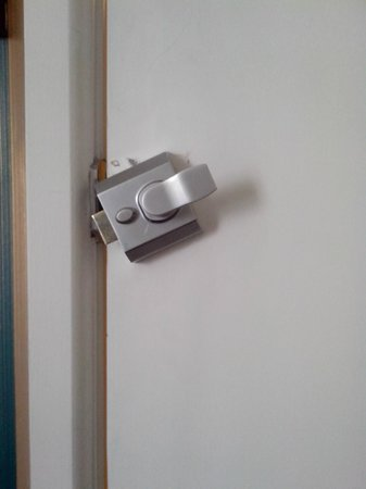 Antico Boutique Hotel: Door lock was free to swivel. Hard to close door from outside.