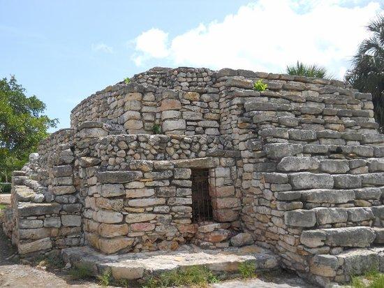 Technotel Beach: Xcambo Mayan Ruins