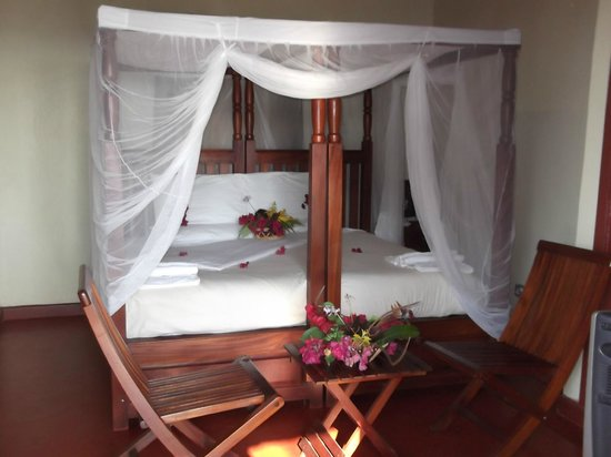 Mpale Cultural Village: King Size Accommodation Room