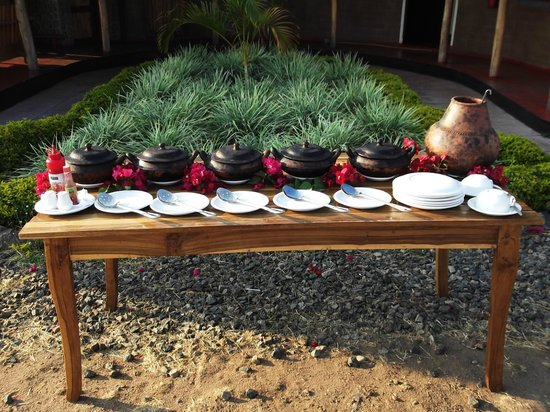 Mpale Cultural Village: Cultural Eating Experience