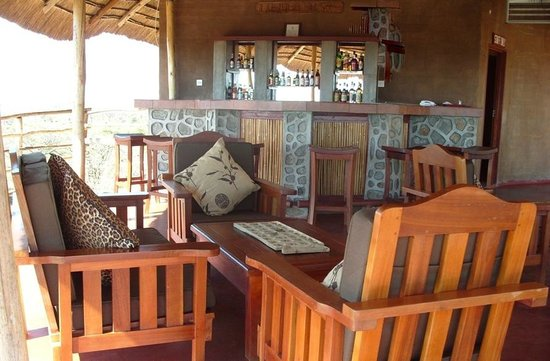 Mpale Cultural Village: Open Restaurant and Bar