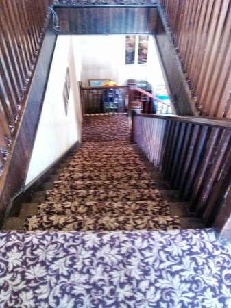 Nutt House Historic Hotel : Cool creaky stairs