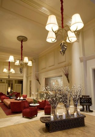 International House Hotel : Lobby in Winter Dress