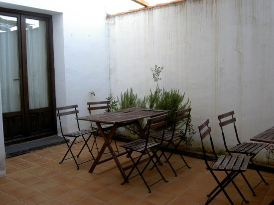 Casa Babel Monfragüe: Patio