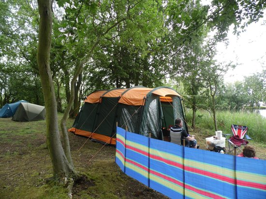 Tattershall Lakes Country Park: Wild Camping