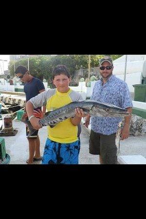 3 Hermanos Cozumel fishing: Big Barracuda!