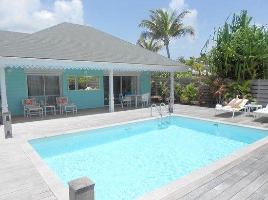 Le Guanahani : extérieur du cottage et piscine privée