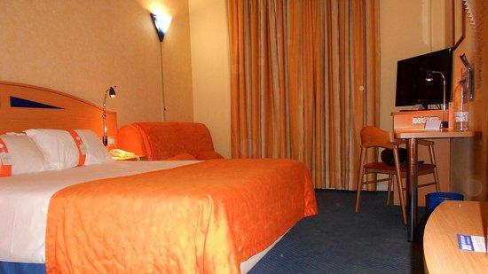 Holiday Inn Express Madrid-Sebastian de los Reyes: Habitación