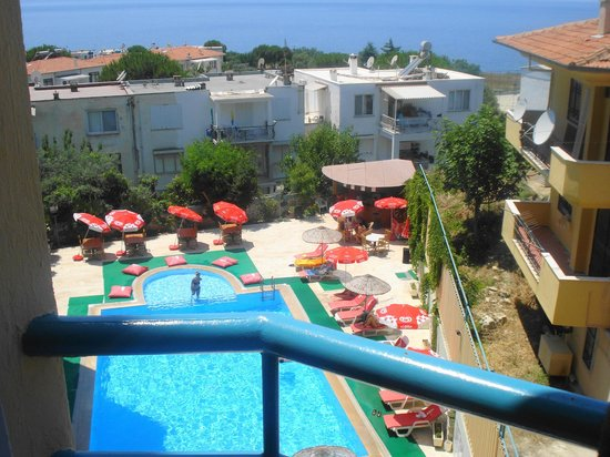 Hotel Albora: pool & view