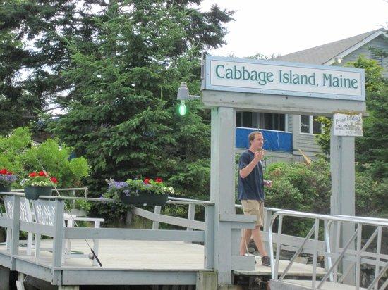 Cabbage Island : boat landing