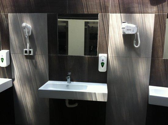 Villaggio Santa Fortunata Campogaio: lavabo