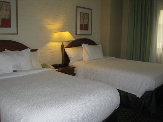 Comfort Inn Syosset by Choice Hotels: Bedroom - real comfortable
