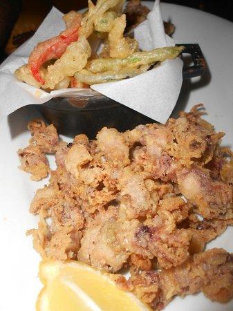 Moncho's House : Antipasto di calamarettini e verdure fritte