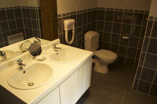 Les Jardins D'Ulysse: salle de bain