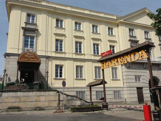 Hotel Harenda: The Facade