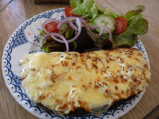 Steyning Tea Rooms: Sussex rarebit